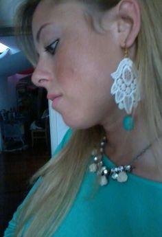 """With the earrings of """"à premiére vue"""".  , à première vue in , H in , Zara in"""