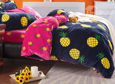 Bright Yellow Pineapple Print 4-Piece Coral Fleece Duvet Cover Sets