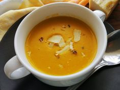 Cheeseburger Chowder, Thai Red Curry, Soup, Ale, Ethnic Recipes, Hokkaido, Ale Beer, Soups, Ales