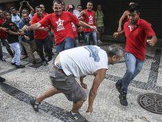 """""""Vamos as ruas para mostrar aos coxinhas nossa força. Eles vão pagar com sangue e lágrimas o que fizeram com a família do ex-presidente Lula""""."""