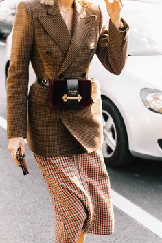 Brown checkered longline double breasted blazer, red and green checkered midi skirt and burgundy Prada fanny pack / Paris Fashion Week 2017 Street Style Inspiration Look Fashion, New Fashion, Trendy Fashion, Winter Fashion, Street Fashion, High Fashion, Fashion Outfits, Womens Fashion, Fashion Trends