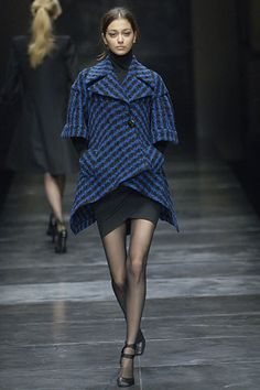Stella McCartney Fall 2005 Ready-to-Wear Fashion Show - Morgane Dubled