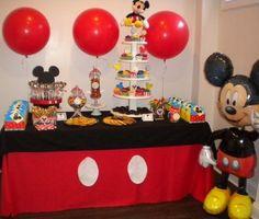 mesa de cumpleaños de mickey mouse