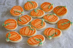 halloween cookies decorated Decorated Pumpkin Cookies by Sugarcrafter. Great for Halloween treats, office parties, or if you kid has a birthday in the fall and you need school treats. God, I love fall! Thanksgiving Cookies, Fall Cookies, Halloween Cookies Decorated, Halloween Treats, Fall Treats, Pumpkin Decorating, Cookie Decorating, Decorating Ideas, Pumpkin Sugar Cookies