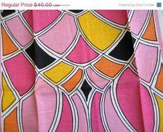 SALE FAB linen Parisian Prints towel MWT unused. by fuzzandfu, $36.00