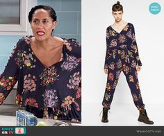 Rainbow's navy floral cropped top and pants on Black-ish.  Outfit Details: https://wornontv.net/60218/ #Blackish