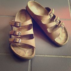 "Selling this ""Brown Florida Birkenstock size 39 excellent cond."" in my Poshmark closet! My username is: tinovia. #shopmycloset #poshmark #fashion #shopping #style #forsale #Birkenstock #Shoes"