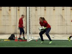 VIDEO: Goalkeepers in training. Hope Solo, Jill Loyden, Nicole Barnhart. (U.S. Soccer)