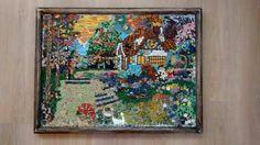 Quadro em Mosaico utilizando materiais diversos..