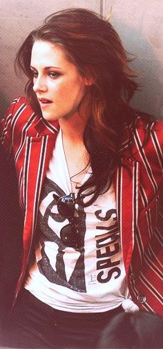 2008 Kristen Stewart famous for being in tomboy styled casual clothes