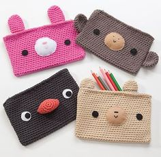 podkins: Cute crocheted pencil cases.