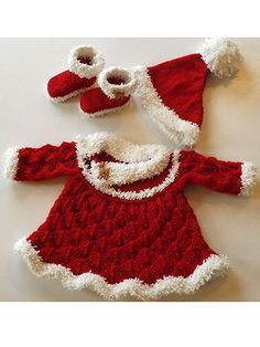 Put your little girl in this adorable Santa dress, hat and booties for holiday pictures or just to bring a bit of festiveness to your gatherings! Size: Includes Preemie through 24 months. Made with light (DK) and bulky (chunky) weight yarn and sizes 3/3.25mm and 6/4mm needles. Skill Level: Intermediate