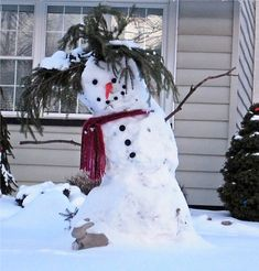 Snowman bird feeder, such a cute idea. Description from pinterest.com. I searched for this on bing.com/images