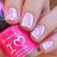 «Pink pineapples stamped from @topatopa_fr TP08, I was attempting to stamp with the flamingos but they were a bit of a failure, they just wouldn't pick up…»