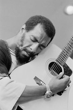 Richie Havens, Folk Icon, Dead at 72  Brooklyn native opened Woodstock in 1969