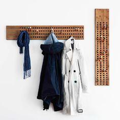 We Do Wood - Horizontale Garderobe - alt_image_twoL: 100 cm B: 18 cm. Pins: 4 x 40 mm, 4 x 80 mm, 4 x 12 mm.