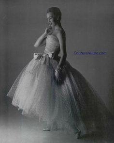 swoon...    http://coutureallure.blogspot.com/2012/04/weekend-eye-candy-christian-dior-1956.html