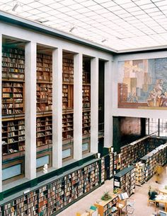 Candida Höfer's and Thomas Struth's large-scale interior photos at the Clark Art Institute William College, Norway Viking, Beautiful Norway, British Library, Main Library, Library Design, World Of Interiors, Interior Photo, Oslo