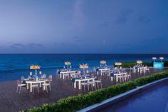 ¿Que les parece una cena de negocios completamente de gala en Dreams Riviera Cancún?