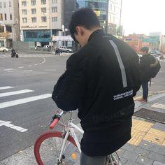 Blurry Pictures, Vernon Seventeen, Who Do You Love, Vernon Hansol, Today Pictures, Do Kyung Soo, Boyfriend Pictures, Iconic Photos, Seungri