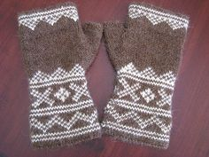 Lusekofte-sque Mitts by Mark Rourke     This pattern includes both written and charted instructions.