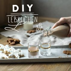 You want to surprise your friends and family with something homemade? - You want to surprise your friends and family with something homemade? Then our gingerbread liqueur - Christmas Ad, Xmas, Diy Slime, Last Minute Gifts, Christmas Traditions, Diy Art, Diy Wedding, Gingerbread, Best Gifts