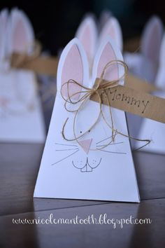 RANDOM RAMBLINGS: { BUNNY TREAT BAGS }