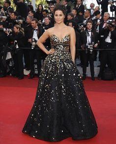 Gianna Simone in Naeem Khan at The Cannes film Festival. @gsimone @festivaldecannes #celebrity #giannasimone