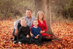 Fall family portraits by True Blue Portrait.
