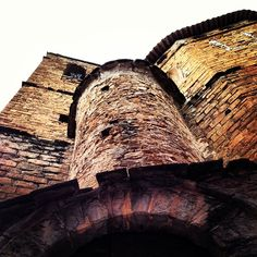 Hidden tower in #Talarn #PallarsJussà #Catalunya Torre amagada a #Talarn #poblets #smallvillages