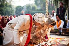Today the whole western world is mesmerised by Hindu weddings, right from Katy Perry/ Russell brand to Elizabeth Hurley/Arun Nayar many Hollywood ce Got Married, Getting Married, Indian Marriage, Telugu Wedding, Russell Brand, Wedding Rituals, Elizabeth Hurley, Western World, Hollywood Celebrities