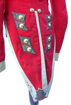Officer's Coatee and Epaulettes to the 67th Regiment of Foot circa 1840 |
