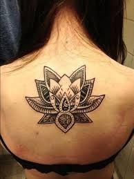 TATTOOS INNMEJORABLES Tenemos los mejores tatuajes y #tattoos en nuestra página web www.tatuajes.tattoo entra a ver estas ideas de #tattoo y todas las fotos que tenemos en la web.  Tatuaje flor de Loto #tatuajeFlorDeLoto