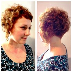 We love curly hair at the klinik! Shiki gave her client a graduated bob with a nice tight blend in the neck area to build up and emphasise her curl. She left it longer around the face to give a lovely angle from the side. The shape is really flattering to her client with a personalised short fringe. #curlyhair