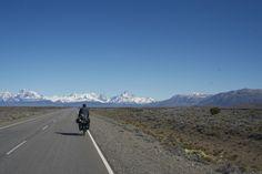 Cycling into El Chalten  #elchalten #cycleearth #patagonia #carreteraaustral
