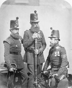 Crimean War veterans Trumpeter Robin, Private Hill and Corporal Wiseman, of the Rifle Brigade with equipment. © IWM (Q British Soldier, British Army, Military Tactics, Victorian Photography, Crimean War, Age Of Empires, Man Of War, British Colonial, Modern History