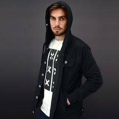 Chamarra de mezclilla /spandex ya disponible en nuestra tienda en línea Www.stkm.co  #streetstyle #yovistostkm #streetwear #apparel #clothing #jacket #fashionblogger