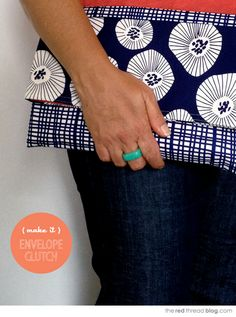 MAKE IT :: Easy Envelope Clutch Purse - We Are Scout Diy Clutch, Diy Purse, Clutch Purse, Diy Sewing Projects, Sewing Tutorials, Sewing Crafts, Bag Tutorials, Tutorial Sewing, Bag Patterns To Sew
