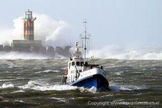 KNRM @knrm Gisteren gezien door fotograaf @fotokvl: voormalig reddingboot Johanna Louisa bij IJmuiden