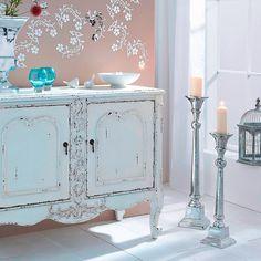 Bring königliche Atmosphäre in dein Wohnzimmer, mit den eleganten Kerzenständern von OBI. #Wohnideen #obi