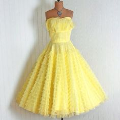 1950s prom/ When I was little I played house in a dress just like this. I love it!