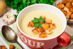 Egy finom Tejszínes hagymakrémleves ebédre vagy vacsorára? Tejszínes hagymakrémleves Receptek a Mindmegette.hu Recept gyűjteményében!