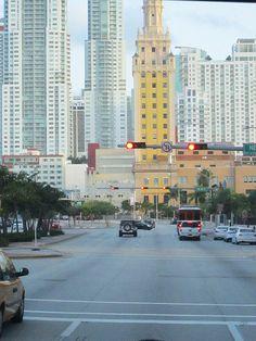 Recorriendo las calles de la ciudad de #Miami. Increíbles sorpresas esperan en cada una de sus esquinas.