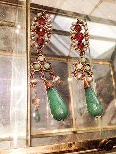 Pendientes con  perlas barrocas y piedras