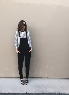 Minimalist Chic - Outfit Inspo For What to Wear Today - Photos Mode Lookbook, Fashion Lookbook, Chic Outfits, Fall Outfits, Fashion Outfits, Style Fashion, Black Overalls Outfit, Minimale Kleidung, Outfits Mujer