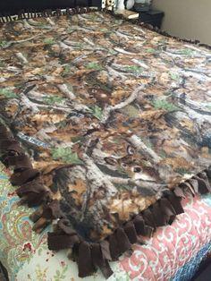 Real Tree Camouflage Blanket / Deer Blanket / Deer Season / Fleece Tie Blanket / Father's Day Gift / Hunting Season Blanket / Gift for Him Tie Blankets, Crocheted Blankets, Homemade Blankets, No Sew Fleece Blanket, Real Tree Camouflage, Deer, Etsy Shop, Holiday, Check