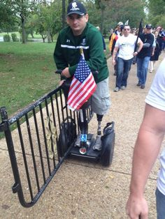 Photo: Legless Vet Takes Barrycade to White House