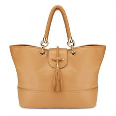 Very cute tote at a very reasonable price.  Looks like Prada, Tods and Hermes combined.  Like!