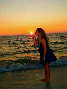 Beach pics, beach phography ideas, creative beach pictures, beach poses by yourself photo