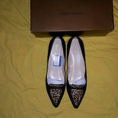 Audrey Brook Shoes Ladies Flats Suede Flats Very Cute Gently Worn Brown & Leopard on sale till Monday Audrey Brooke Shoes Flats & Loafers